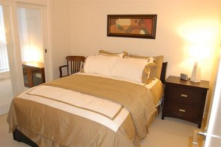 """Photo 9: 1708 1 RENAISSANCE Square in NEW WEST: Quay Condo for sale in """"THE Q"""" (New Westminster)  : MLS®# R2006106"""
