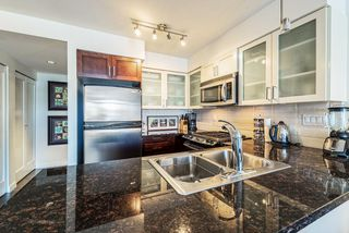 """Photo 2: 1708 1 RENAISSANCE Square in NEW WEST: Quay Condo for sale in """"THE Q"""" (New Westminster)  : MLS®# R2006106"""