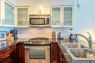 """Photo 3: 1708 1 RENAISSANCE Square in NEW WEST: Quay Condo for sale in """"THE Q"""" (New Westminster)  : MLS®# R2006106"""