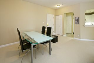 """Photo 5: 212 5835 HAMPTON Place in Vancouver: University VW Condo for sale in """"St. James"""" (Vancouver West)  : MLS®# R2037637"""