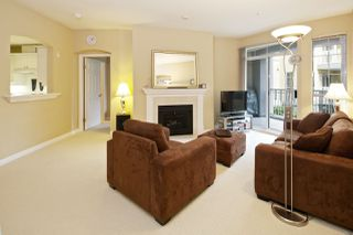 """Photo 3: 212 5835 HAMPTON Place in Vancouver: University VW Condo for sale in """"St. James"""" (Vancouver West)  : MLS®# R2037637"""
