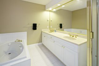 """Photo 11: 212 5835 HAMPTON Place in Vancouver: University VW Condo for sale in """"St. James"""" (Vancouver West)  : MLS®# R2037637"""