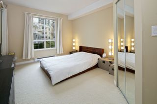 """Photo 9: 212 5835 HAMPTON Place in Vancouver: University VW Condo for sale in """"St. James"""" (Vancouver West)  : MLS®# R2037637"""