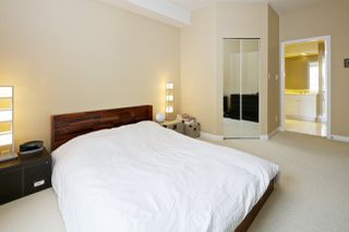 """Photo 10: 212 5835 HAMPTON Place in Vancouver: University VW Condo for sale in """"St. James"""" (Vancouver West)  : MLS®# R2037637"""
