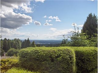 Photo 1: 495 SAVILLE Crescent in North Vancouver: Upper Delbrook Home for sale ()  : MLS®# V1066903