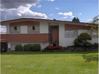 Photo 2: 495 SAVILLE Crescent in North Vancouver: Upper Delbrook Home for sale ()  : MLS®# V1066903