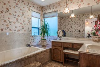 Photo 12: 422 WALKER Street in Coquitlam: Coquitlam West House for sale : MLS®# R2068148