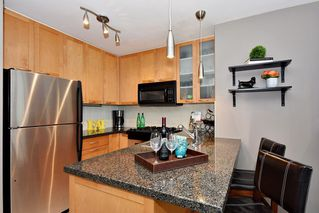 "Photo 6: 903 989 RICHARDS Street in Vancouver: Downtown VW Condo for sale in ""Mondrian 1"" (Vancouver West)  : MLS®# R2095288"