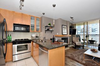 "Photo 7: 903 989 RICHARDS Street in Vancouver: Downtown VW Condo for sale in ""Mondrian 1"" (Vancouver West)  : MLS®# R2095288"