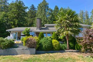 Photo 1: 5473 WAKEFIELD Road in Sechelt: Sechelt District House for sale (Sunshine Coast)  : MLS®# R2103493