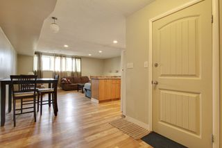 Photo 2: 1714 48 St SE in Calgary: Duplex for sale : MLS®# C3604164