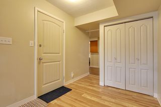 Photo 3: 1714 48 St SE in Calgary: Duplex for sale : MLS®# C3604164