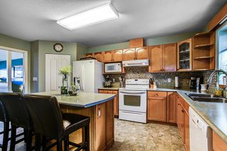 Photo 6: 19866 FAIRFIELD Avenue in Pitt Meadows: South Meadows House for sale : MLS®# R2116241