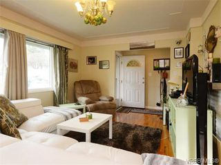 Photo 3: 1025 Tillicum Rd in VICTORIA: Es Kinsmen Park House for sale (Esquimalt)  : MLS®# 745665
