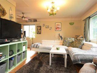 Photo 2: 1025 Tillicum Rd in VICTORIA: Es Kinsmen Park House for sale (Esquimalt)  : MLS®# 745665