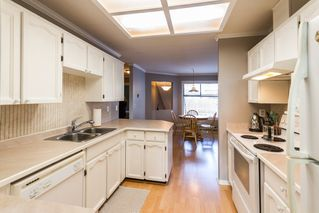 "Photo 7: 504 11726 225 Street in Maple Ridge: East Central Townhouse for sale in ""Royal Terrace"" : MLS®# R2122432"