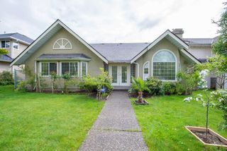 Photo 1: 8472 140 Street in Surrey: Bear Creek Green Timbers House for sale : MLS®# R2126174