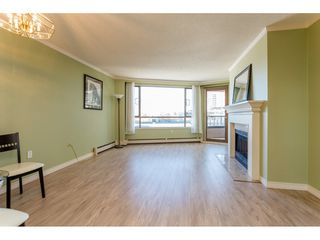 "Photo 3: 410 15111 RUSSELL Avenue: White Rock Condo for sale in ""Pacific Terrace"" (South Surrey White Rock)  : MLS®# R2127847"