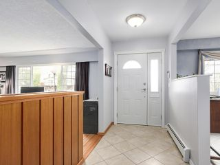 Photo 2: 3935 WILLIAM Street in Burnaby: Willingdon Heights House for sale (Burnaby North)  : MLS®# R2149718