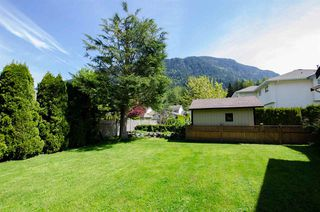 Photo 9: 347 CHESTNUT Avenue: Harrison Hot Springs House for sale : MLS®# R2166500