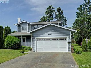 Photo 15: 4183 Tuxedo Drive in VICTORIA: SE Lake Hill Single Family Detached for sale (Saanich East)  : MLS®# 379137