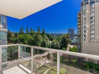Photo 2: 702 235 GUILDFORD WAY in Port Moody: North Shore Pt Moody Condo for sale : MLS®# R2179963