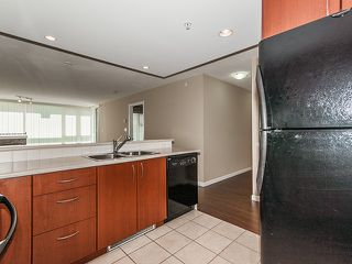 Photo 5: 702 235 GUILDFORD WAY in Port Moody: North Shore Pt Moody Condo for sale : MLS®# R2179963