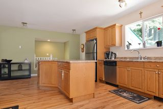 Photo 4: 23523 47 Avenue in Langley: Salmon River House for sale : MLS®# R2190915
