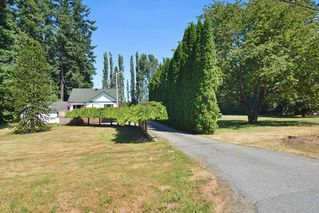 Photo 1: 23523 47 Avenue in Langley: Salmon River House for sale : MLS®# R2190915