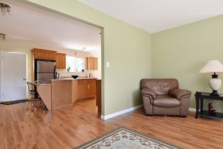 Photo 8: 23523 47 Avenue in Langley: Salmon River House for sale : MLS®# R2190915