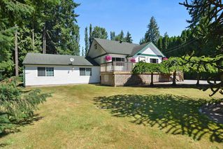 Photo 2: 23523 47 Avenue in Langley: Salmon River House for sale : MLS®# R2190915