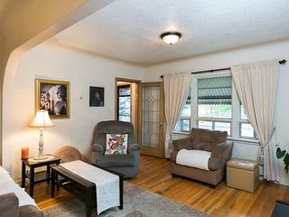 Photo 9: 2020 9 Avenue SE in Calgary: Inglewood House for sale : MLS®# C4138349