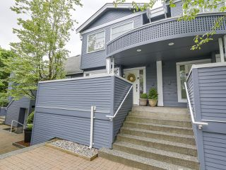 Photo 1: A3 240 W 16th Street in North Vancouver: Central Lonsdale Townhouse  : MLS®# R2178079