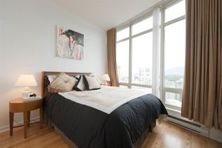 "Photo 15: 2903 1200 ALBERNI Street in Vancouver: West End VW Condo for sale in ""The Palisades"" (Vancouver West)  : MLS®# R2287519"