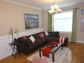"""Photo 2: 38 9405 121 Street in Surrey: Queen Mary Park Surrey Townhouse for sale in """"RED LEAF"""" : MLS®# R2294163"""