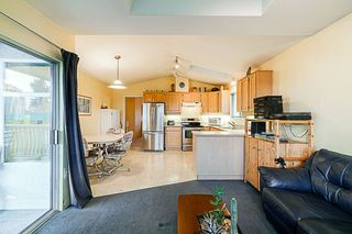 Photo 10: 4286 GRAVELEY Street in Burnaby: Brentwood Park House for sale (Burnaby North)  : MLS®# R2304392
