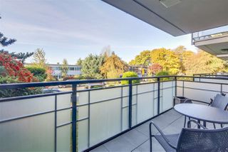 "Photo 6: 109 360 E 2ND Street in North Vancouver: Lower Lonsdale Condo for sale in ""EMERALD MANOR"" : MLS®# R2315985"