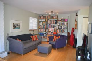 Photo 3: 939 E 11TH Avenue in Vancouver: Mount Pleasant VE 1/2 Duplex for sale (Vancouver East)  : MLS®# R2316093