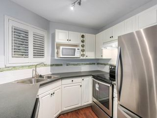 """Photo 10: 308 7139 18TH Avenue in Burnaby: Edmonds BE Condo for sale in """"CRYSTAL GATE"""" (Burnaby East)  : MLS®# R2326484"""