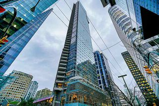 "Photo 2: 2207 1111 ALBERNI Street in Vancouver: West End VW Condo for sale in ""Shangri-La"" (Vancouver West)  : MLS®# R2335303"