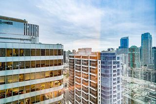 "Photo 17: 2207 1111 ALBERNI Street in Vancouver: West End VW Condo for sale in ""Shangri-La"" (Vancouver West)  : MLS®# R2335303"