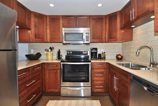 """Photo 3: 308 1477 FOUNTAIN Way in Vancouver: False Creek Condo for sale in """"FOUNTAIN TERRACE"""" (Vancouver West)  : MLS®# R2338658"""