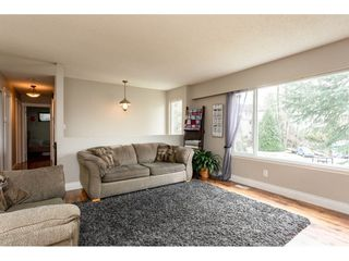 """Photo 4: 34641 MERLIN Place in Abbotsford: Abbotsford East House for sale in """"Mcmillan"""" : MLS®# R2339379"""