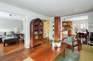 Photo 2: 85 E 23RD Avenue in Vancouver: Main House for sale (Vancouver East)  : MLS®# R2340338