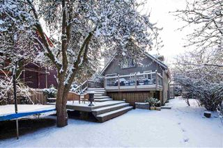 Photo 8: 85 E 23RD Avenue in Vancouver: Main House for sale (Vancouver East)  : MLS®# R2340338