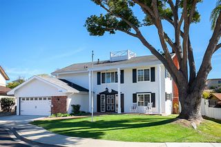 Photo 2: CLAIREMONT House for sale : 4 bedrooms : 4015 Southview Dr in San Diego