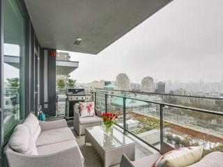 "Photo 18: 910 2888 CAMBIE Street in Vancouver: Fairview VW Condo for sale in ""The Spot"" (Vancouver West)  : MLS®# R2343734"