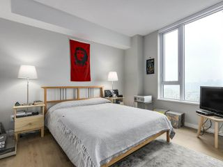 "Photo 12: 910 2888 CAMBIE Street in Vancouver: Fairview VW Condo for sale in ""The Spot"" (Vancouver West)  : MLS®# R2343734"