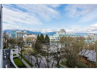 "Photo 14: 611 2851 HEATHER Street in Vancouver: Fairview VW Condo for sale in ""TAPESTRY"" (Vancouver West)  : MLS®# R2267421"
