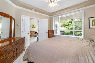 """Photo 12: 405 3280 PLATEAU Boulevard in Coquitlam: Westwood Plateau Condo for sale in """"CAMELBACK"""" : MLS®# R2367724"""